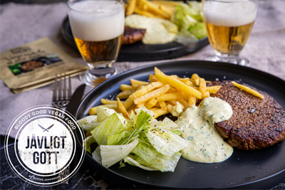 Vegansk Steak Frites med Vegonade Black Garlic